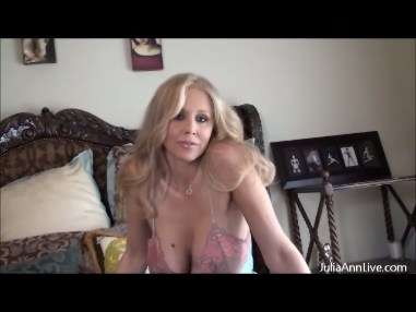 JULIA ANN GIVES HER TIGHT WET PUSSY SOME PLEASURE from JuliaAnnLive.com