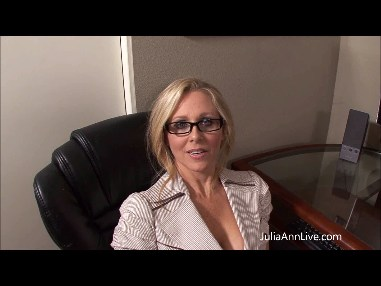 SECRETARY JULIA ANN IN ON HER KNEES SUCKING COCK from JuliaAnnLive.com